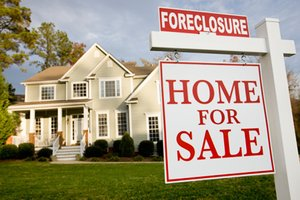 How a Foreclosure Affects your Credit History and Credit Score